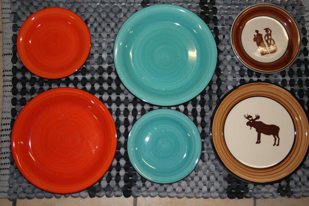 Earthware Dinner & side plates
