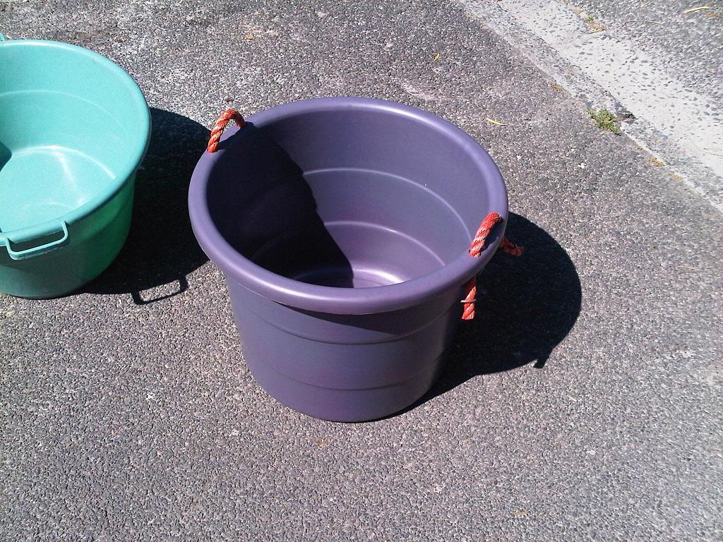 Rope bucket